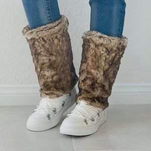 NIB Snow Bunny Vegan Fur Warm Comfortable Boots